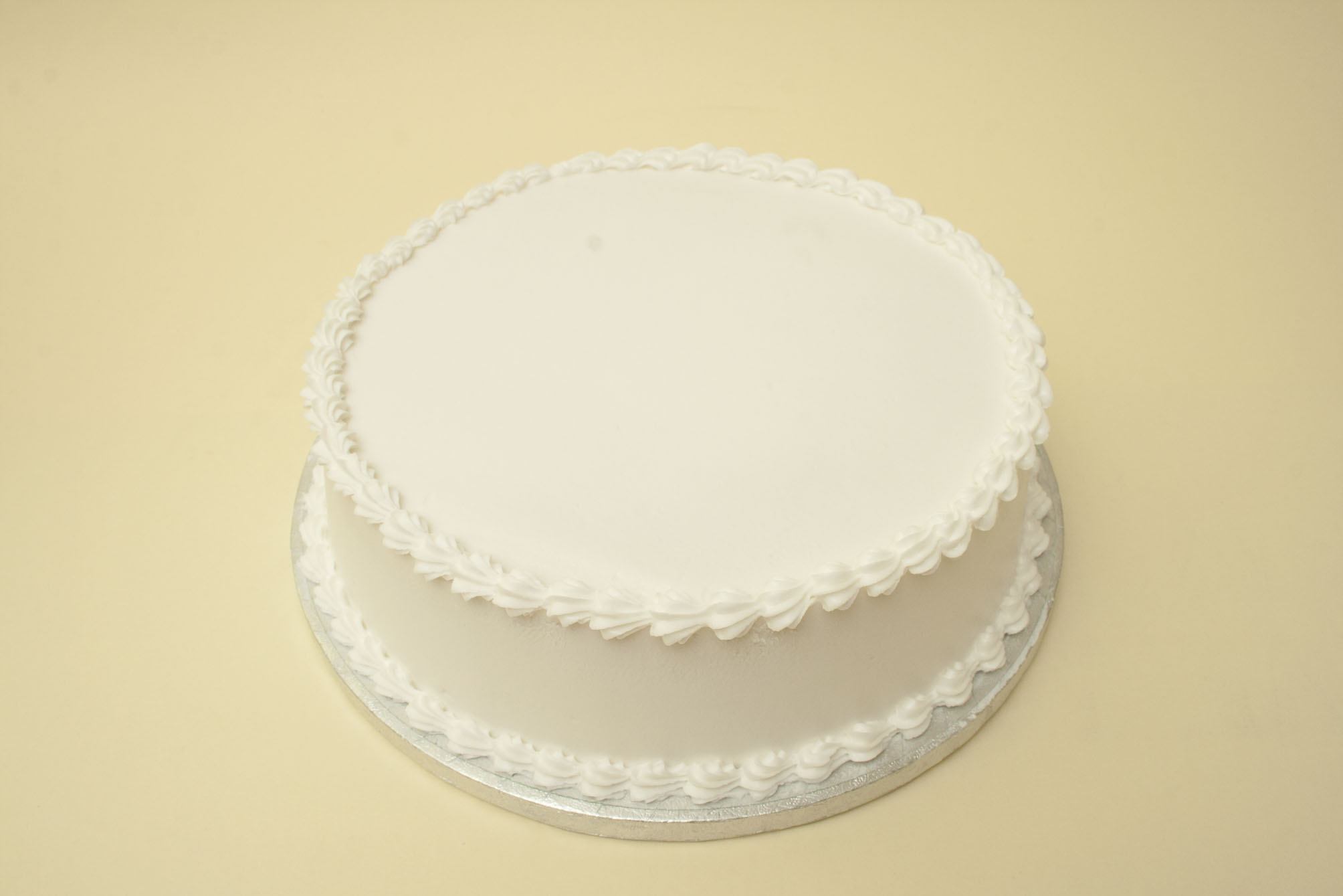 Cake With Icing On Top : Tutorial-royal-icing-ROUND-cake.jpg