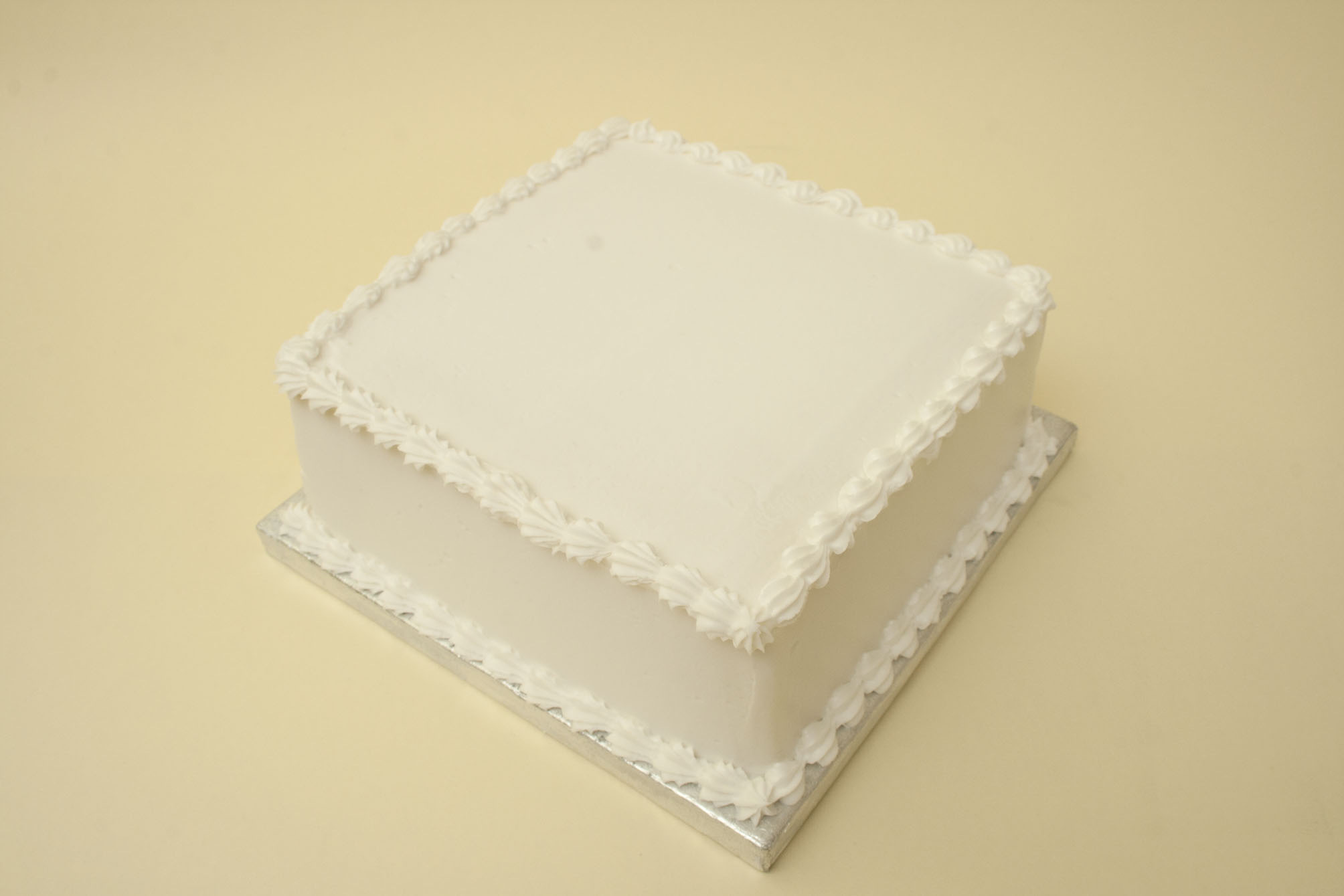 https://caroldeaconcakes.com/recipes/royal-icing/
