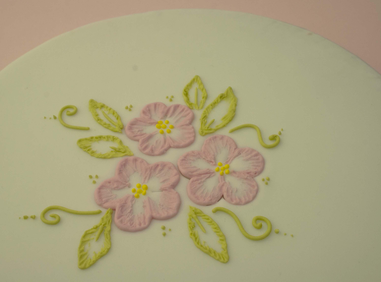 https://caroldeaconcakes.com/brushstroke-embroidery/