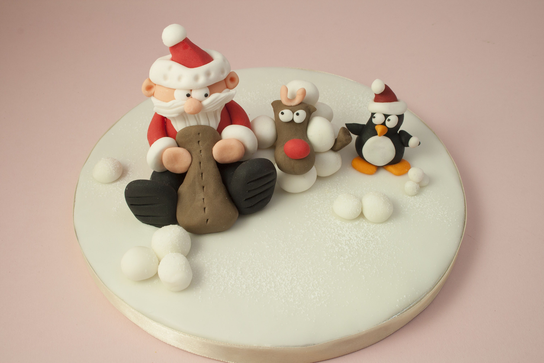 https://caroldeaconcakes.com/santa-rudolph-class/